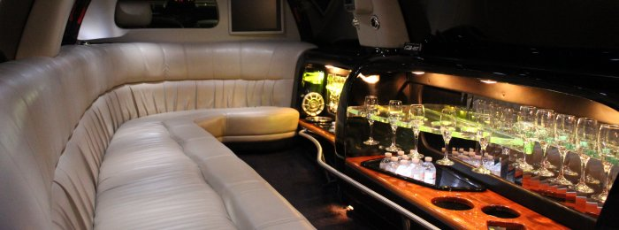 Inside of Lincoln Navigator 12-14 Passenger SUV Limo