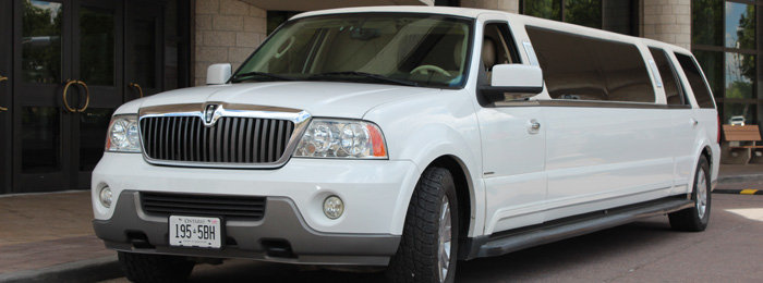 Outside of Lincoln Navigator 12-14 Passenger SUV Limo